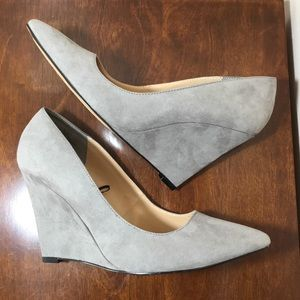Express Shoes - NEW Express faux suede grey wedge pumps size 9